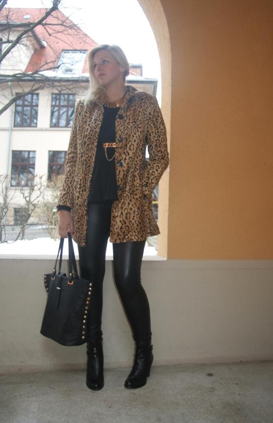 Leoparden Mantel H&M mit Leder