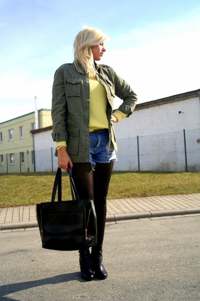 Weekend Look Style Army Parka studded